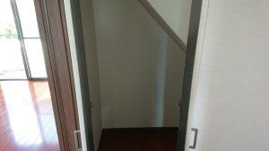 階段下物置