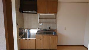 キッチン(出入口あたり若干きしみあり)